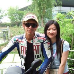 Interprete x Yamaha team con Valentino Rossi